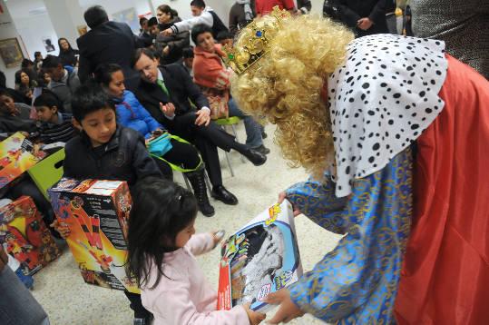 regalos-a-niños-inmigrantes-y-autóctonos-madrid.org_