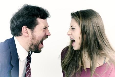 Padre e hija enfadados